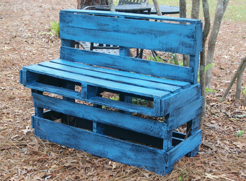Colorful Wood Pallet Furniture