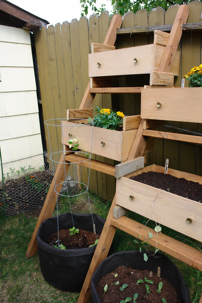 Old Wooden Drawers Into Planters